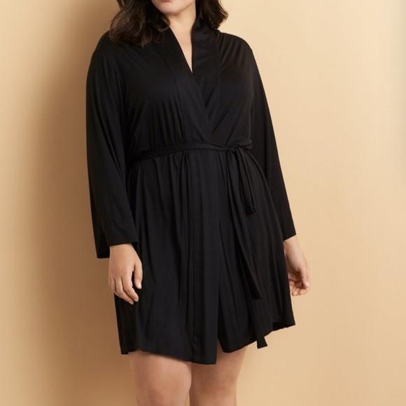Natori Feathers Essential short robe xl black